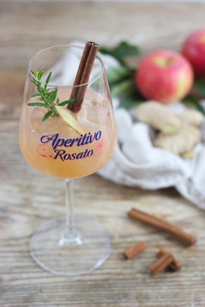 Köstlicher Apfel Ingwer Aperitivo mit Ramazzotti Apertitivo Rosato von Sweets & Lifestyle