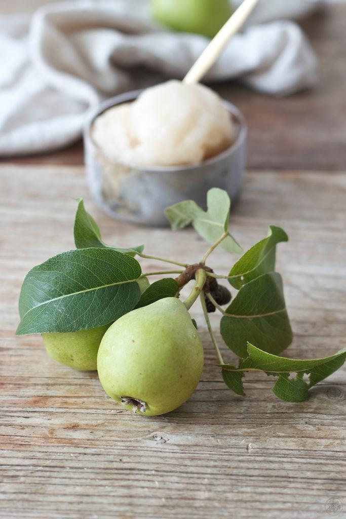 Selbst gemachtes Birnensorbet fuer den Frizzante mit Birnensorbet von Sweets & Lifestyle