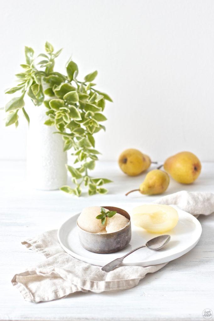 Erfrischendes Birnensorbet mit Birnenschnaps von Sweets an Lifestyle
