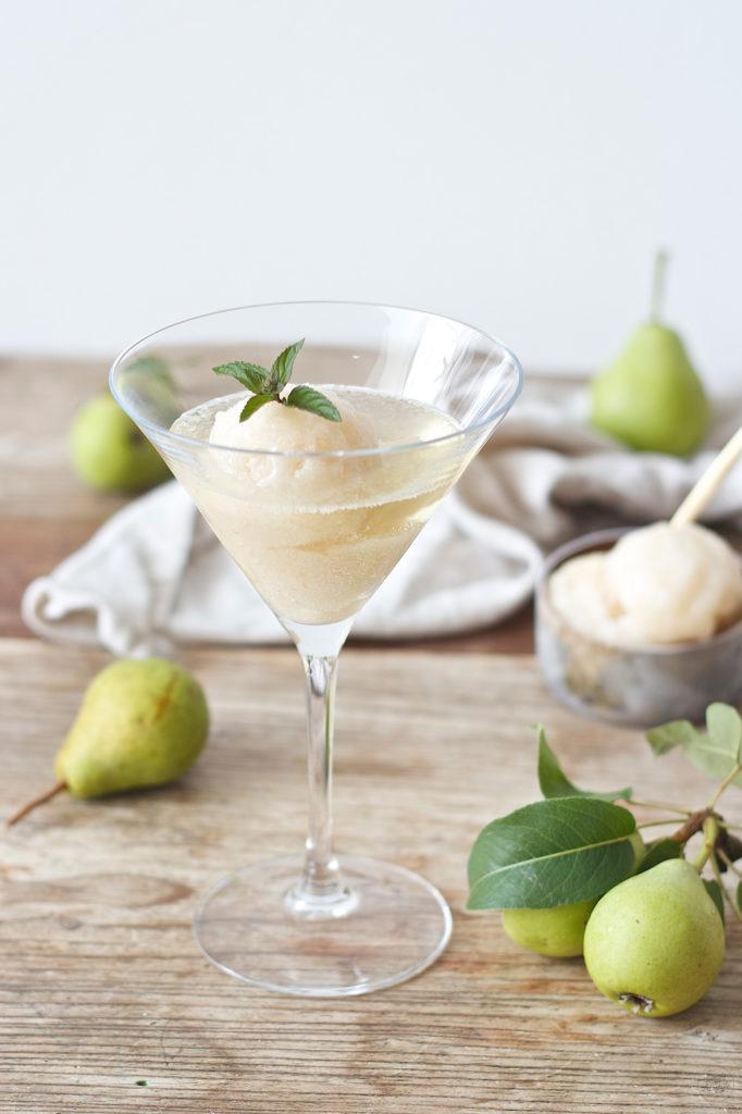 Frizzante mit Birnensorbet als Aperitif serviert von Sweets & Lifestyle