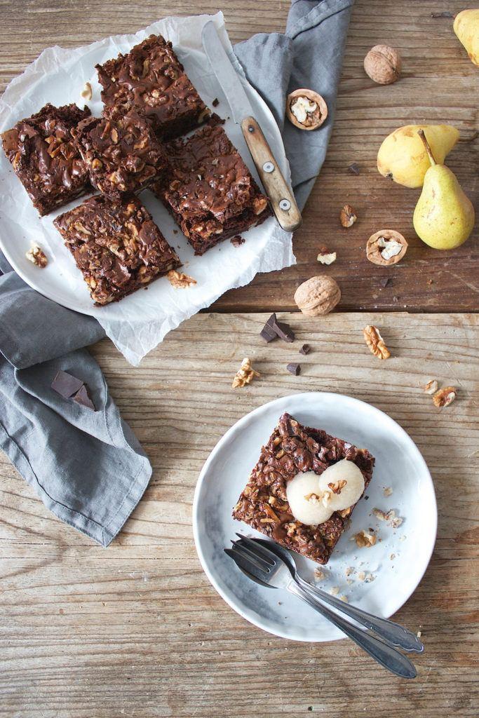 Leckere Walnuss Brownies mit Birnensorbet von Sweets and Lifestyle