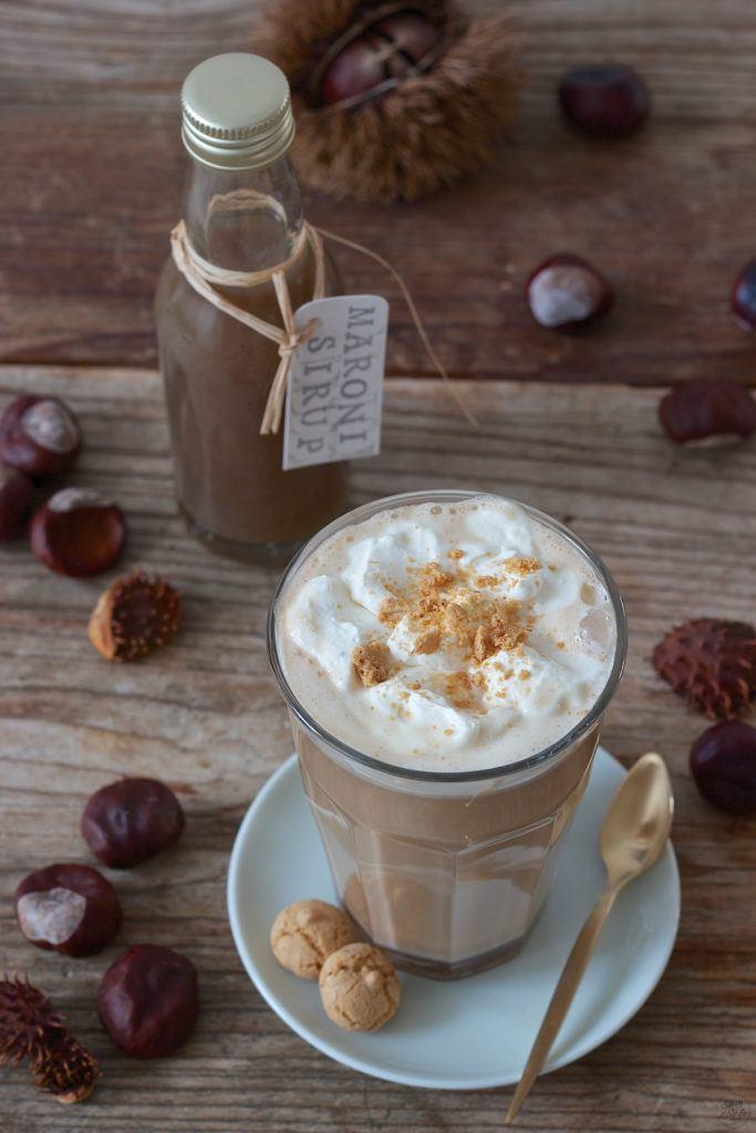 Chestnut Latte mit selbst gemachtem Maronisirup verfeinert darf im Herbst nicht fehlen von Sweets & Lifestyle®