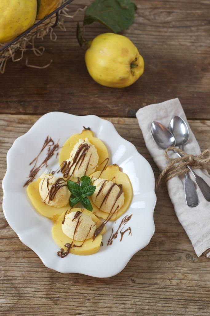 Cremiges Quittenmousse serviert von Sweets & Lifestyle®