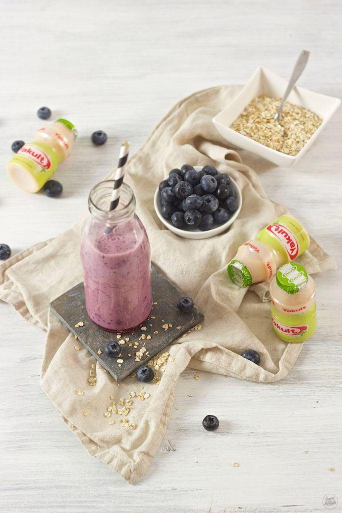 Heidelbeer Smoothie mit Yakult zum Frühstück von Sweets & Lifestyle