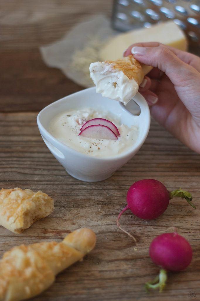 Knusprige Käsestangerl selbst gemacht von Sweets & Lifestyle