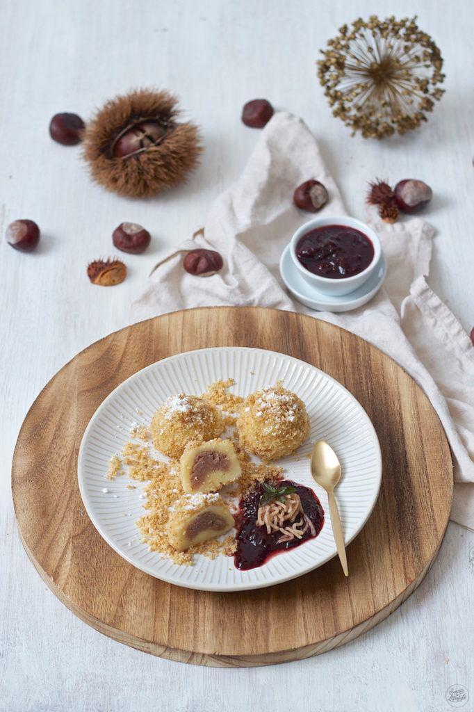 Maroniknödel aus Topfenteig mit Walnussbrösel von Sweets & Lifestyle®