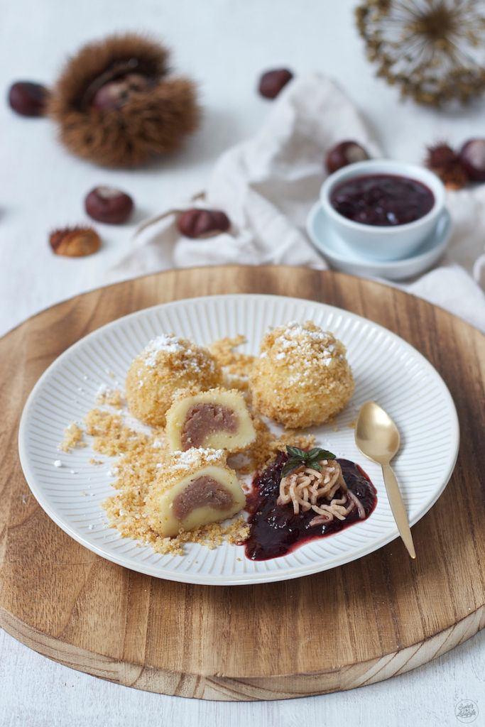 Maroniknödel serviert mit Powidl Sweets & Lifestyle®