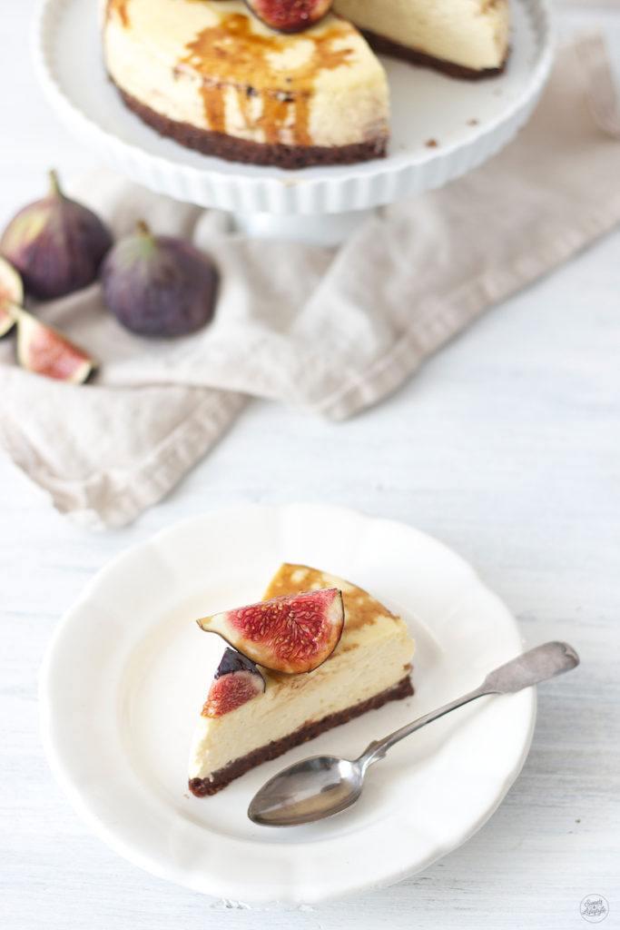 Vanille Cheesecake mit frischen Feigen und Balsamicoreduktion von Sweets & Lifestyle