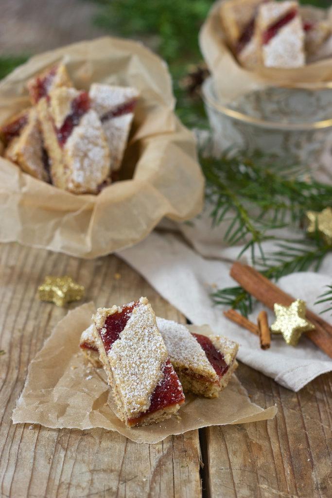 Mürbe Linzer Streifen als Weihnachtskekse von Sweets & Lifestyle®