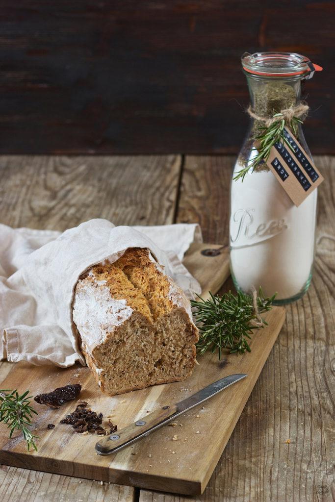 Selbst gemachtes Mediterranes Brot nach einem Rezept von Sweets & Lifestyle®