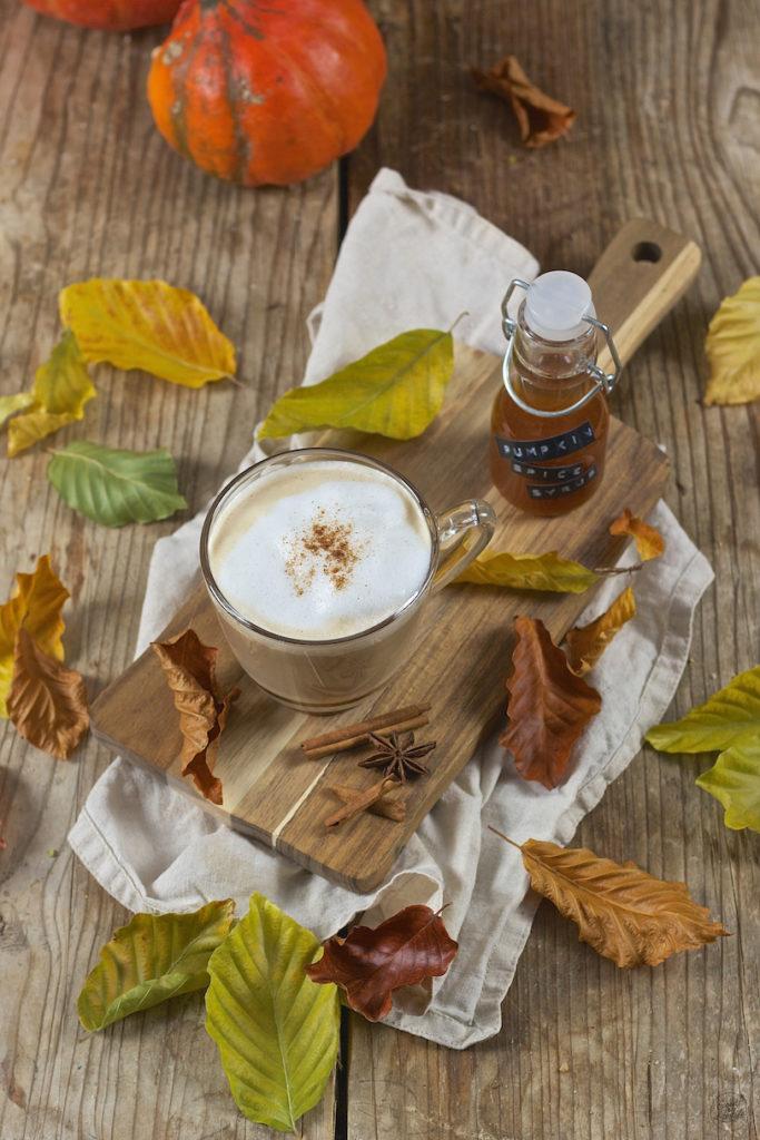 Pumpkin Spice Latte mit selbst gemachtem Pumpkin Spice Syrup von Sweets & Lifestyle®
