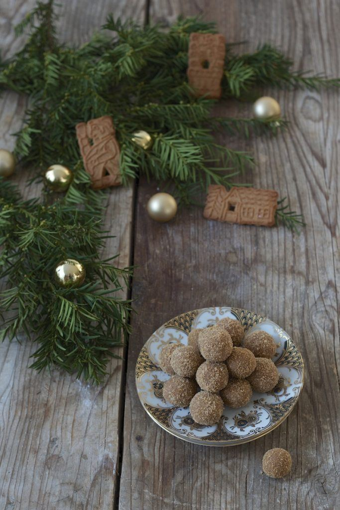 Spekulatiuskugeln mit Marzipan und weisser Schokolade von Sweets & Lifestyle®