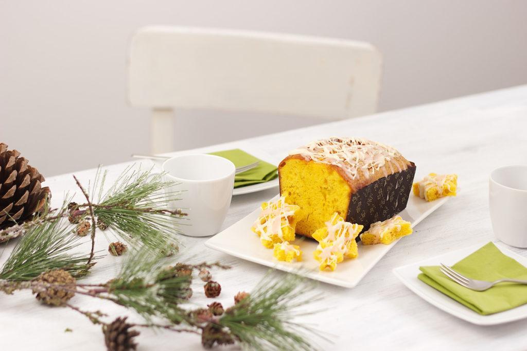 Winterkuchen Orange verfeinert mit weißer Schokolade und Orangenpunschglasur von Sweets & Lifestyle®