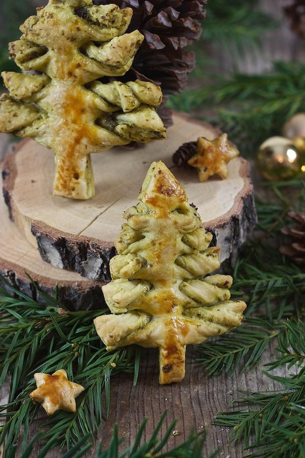 Pesto Blätterteig Weihnachtsbaum als Fingerfood zu Weihnachten von Sweets & Lifestyle®