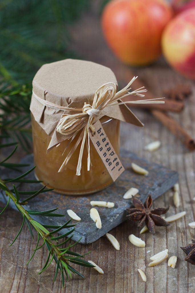 Bratapfelmarmelade mit Mandeln von Sweets & Lifestyle®