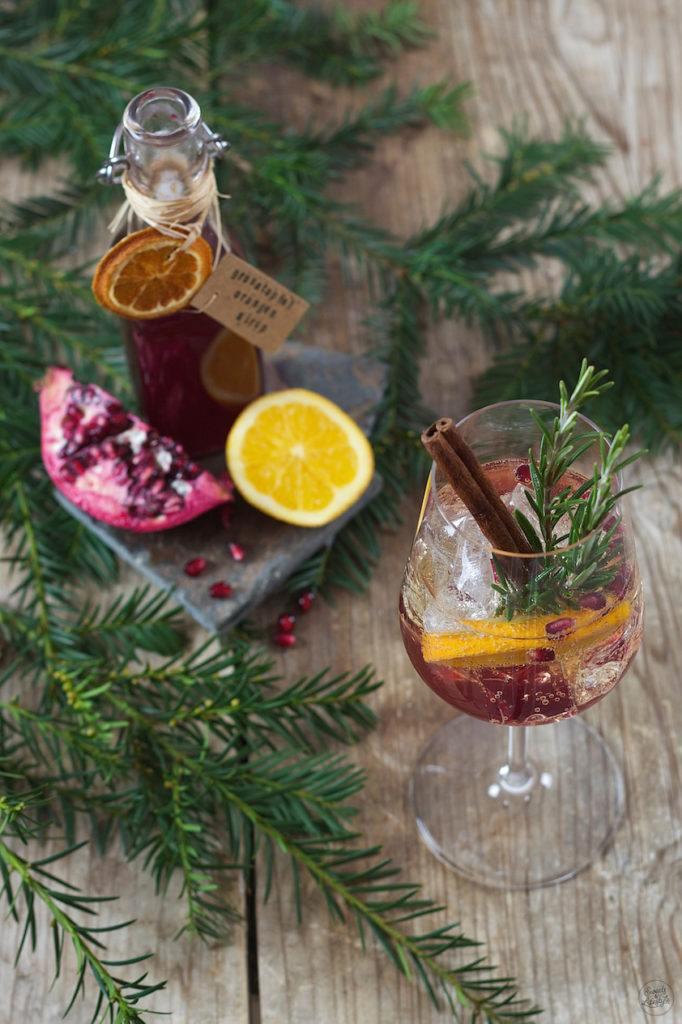 Granatapfel Orangen Spritzer als Wintercocktail von Sweets & Lifestyle®