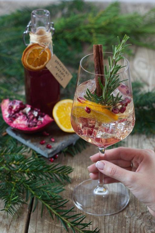 Granatapfel Orangen Spritzer als Aperitif zu Silvester von Sweets & Lifestyle®