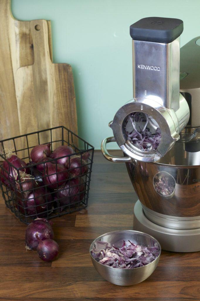 Kenwood Trommelraffel verwendet zum Zwiebel schneiden von Sweets & Lifestyle®