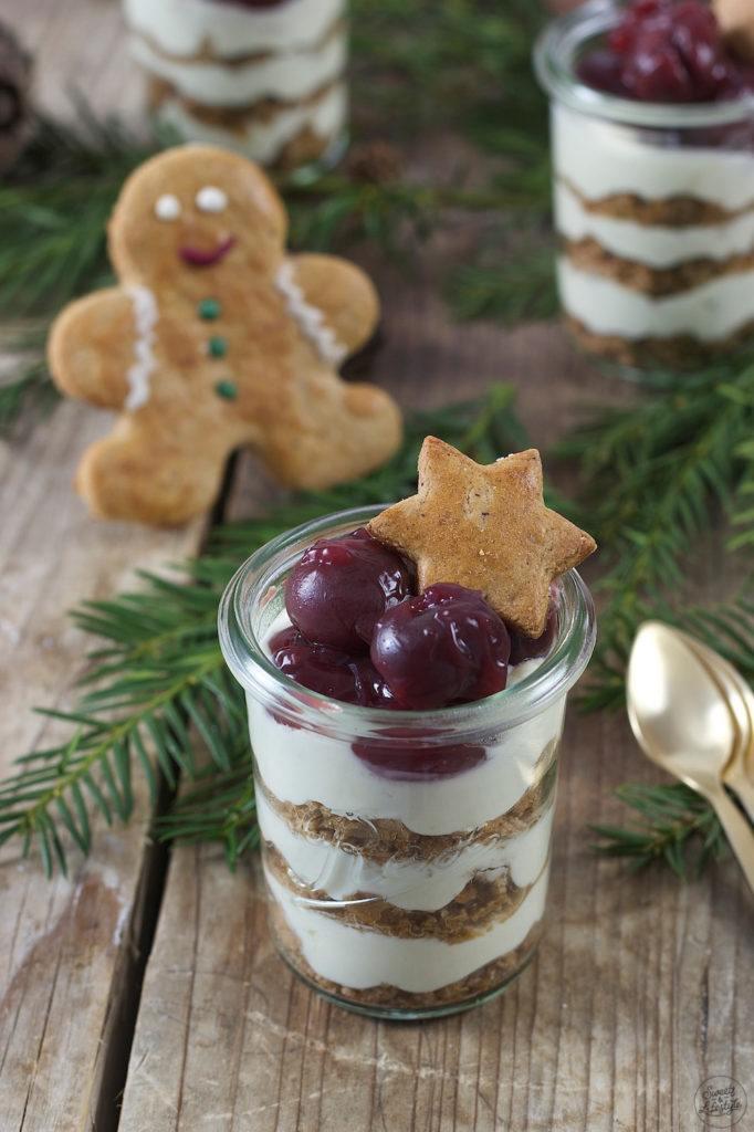 Lebkuchen Tiramisu mit Kirschen als Weihnachtsdessert von Sweets & Lifestyle®