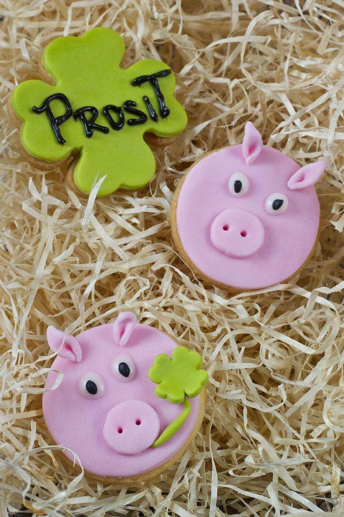 Mürbteig Glücksschweine als selbst gemachte Glücksbringer von Sweets & Lifestyle®