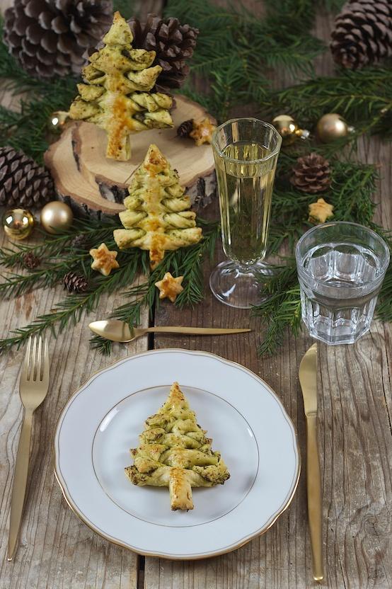pesto weihnachtsbaum vegetarische vorspeise sweets. Black Bedroom Furniture Sets. Home Design Ideas