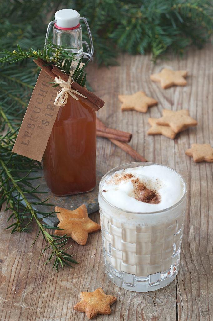 Selbst gemachter Lebkuchensirup zur Verfeinerung von Kaffee von Sweets & Lifestyle®