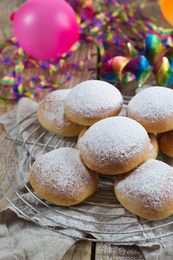Backrohrkrapfen nach einem Rezept von Sweets & Lifestyle®