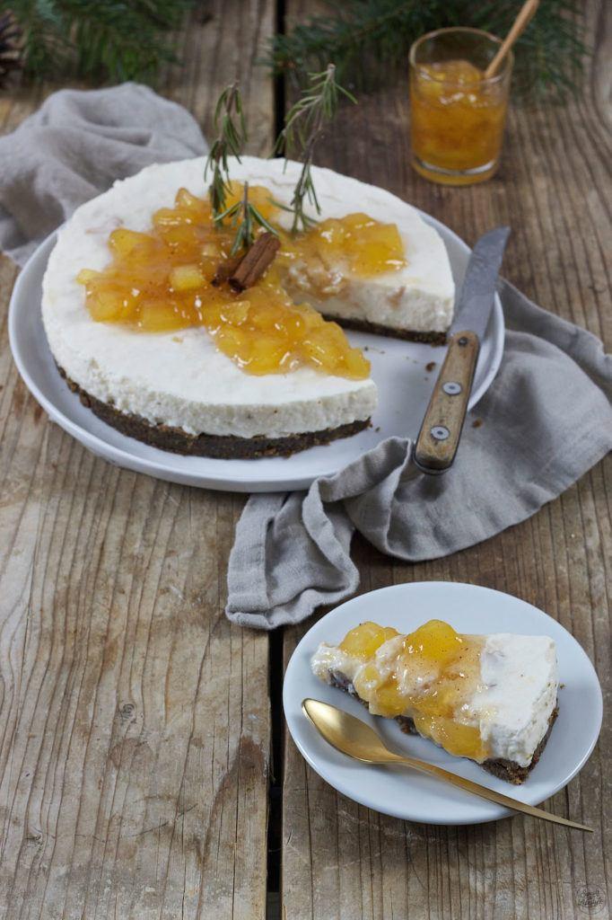 Rezept für eine Bratapfel Joghurt Keksreste Torte von Sweets & Lifestyle®