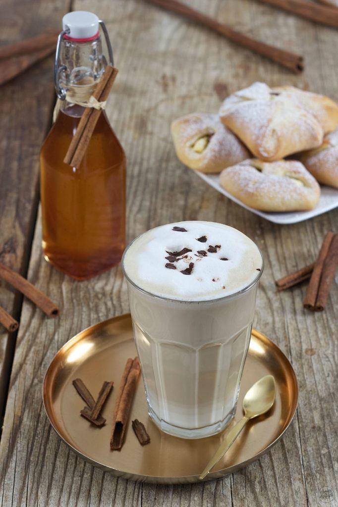Kaffee verfeinert mit Zimtsirup von Sweets & Lifestyle®