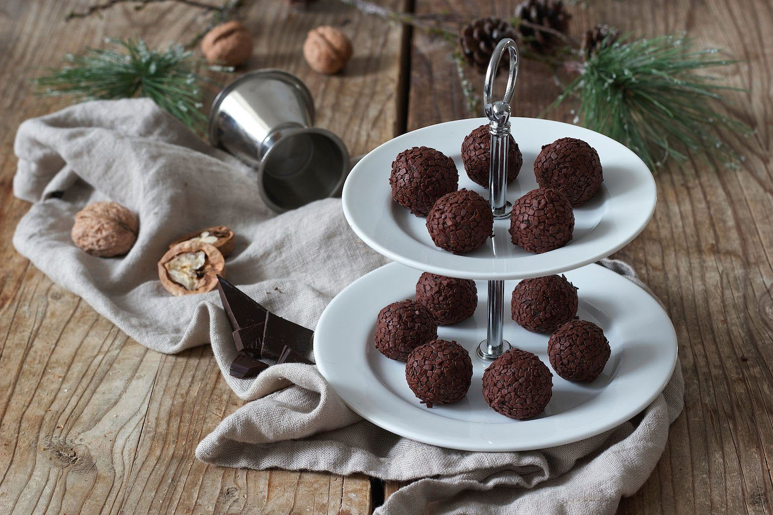 Amarettokugeln aus Keksresten - Rezept - Sweets & Lifestyle®
