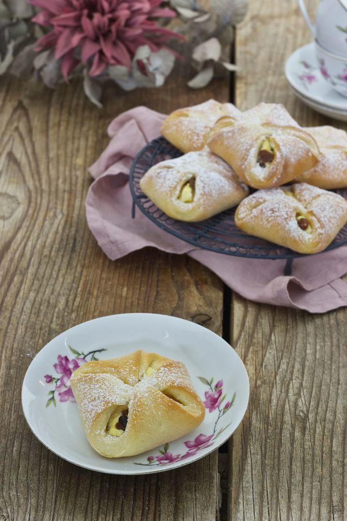 Topfengolatschen (Quarktaschen) mit Germteig von Sweets & Lifestyle®