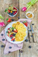 Buttermilch Pancakes in Herzform fuer den Valentinstag von Sweets & Lifestyle®