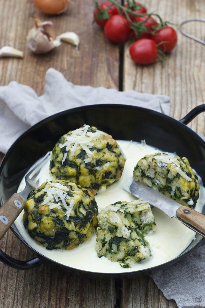 Flaumige Spinatknödel mit Käse von Sweets & Lifestyle®