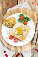 Spiegelei in Herzform in Toast gebacken von Sweets & Lifestyle®