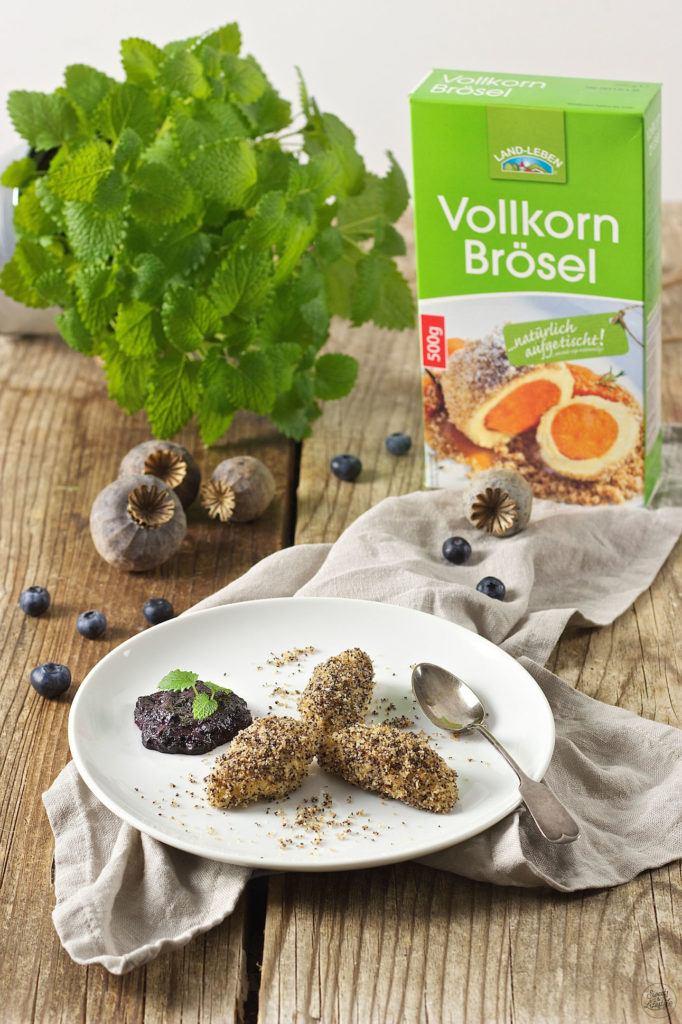 Topfennockerl mit Mohn Vollkornbrösel und Kompott von Sweets & Lifestyle®