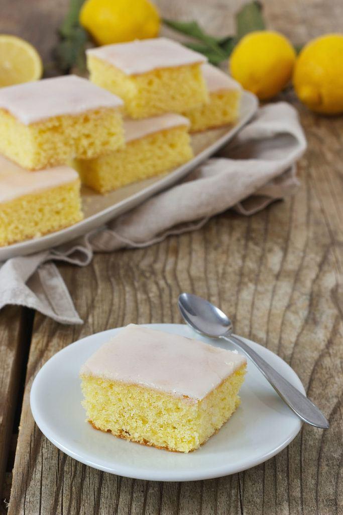 Saftiger Zitronenkuchen einfach herzustellen von Sweets & Lifestyle®