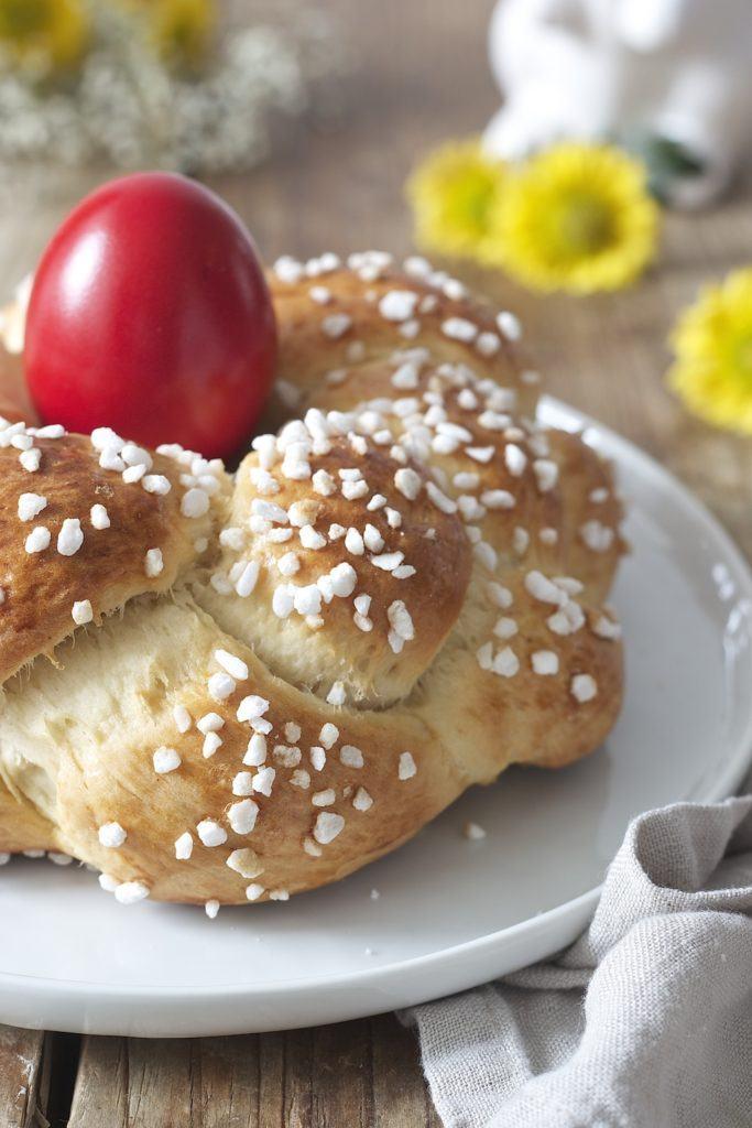 Osternest mit Hagelzucker bestreut von Sweets & Lifestyle®