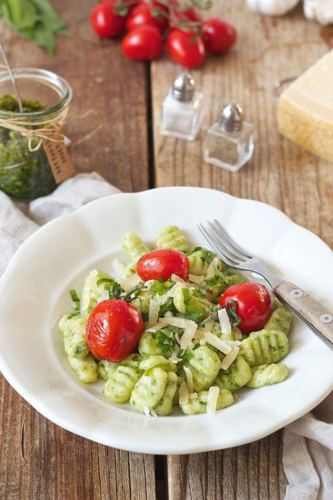 Bärlauch Gnocchi mit Bärlauchpesto und gerösteten Tomaten von Sweets & Lifestyle®