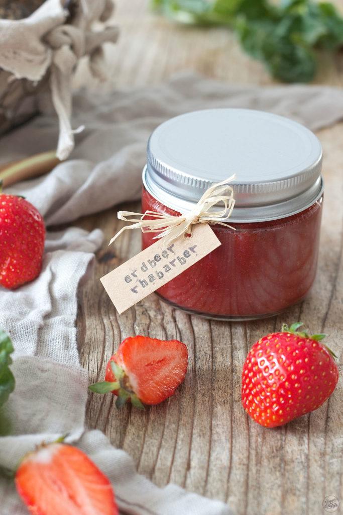 Erdbeer Rhabarber Marmelade Rezept von Sweets & Lifestyle®