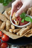 Mozzarella Sticks mit Tomatendip von Sweets & Lifestyle®