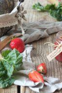 Rezept für eine Erdbeer Rhabarber Marmelade von Sweets & Lifestyle®