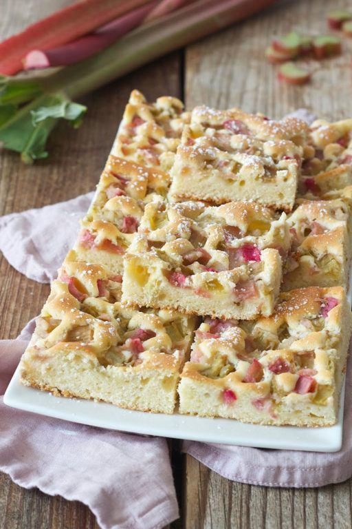 Einfaches Rhabarberkuchen Rezept von Sweets & Lifestyle®