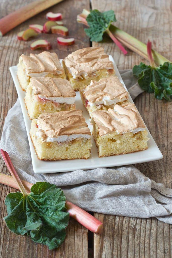 Rhabarberkuchen mit Baiserhaube nach einem Rezept von Sweets & Lifestyle®