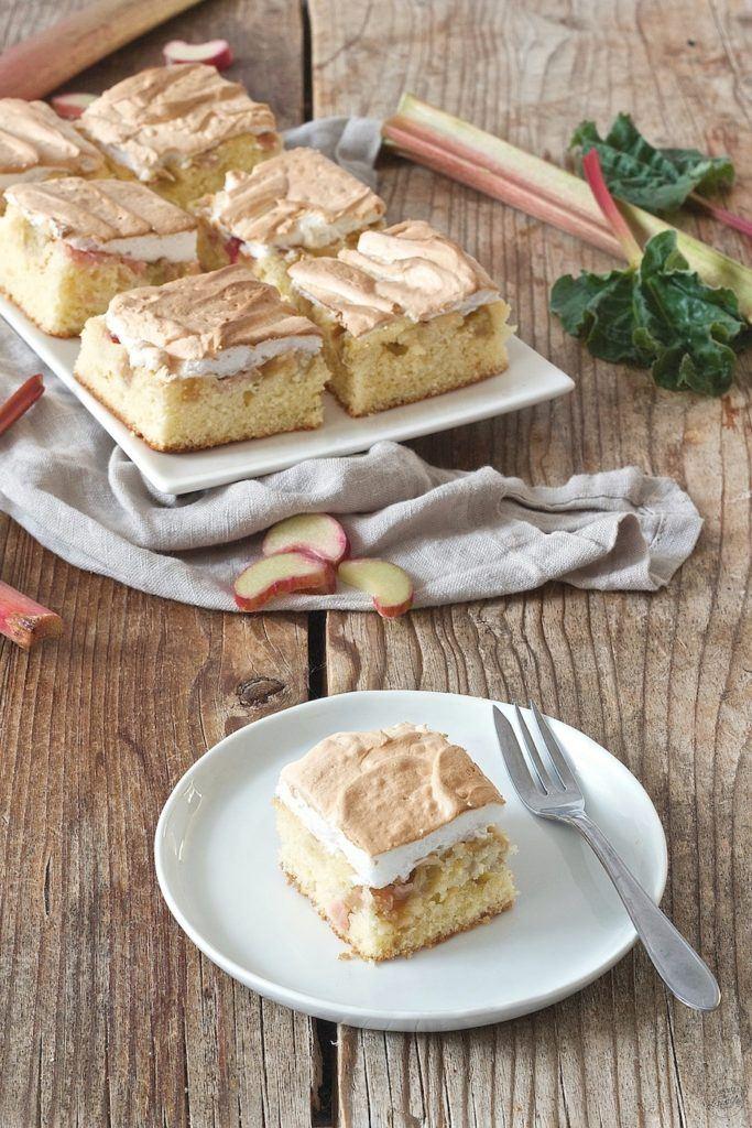Rhabarberkuchen mit Baiserhaube vom Blech von Sweets & Lifestyle®