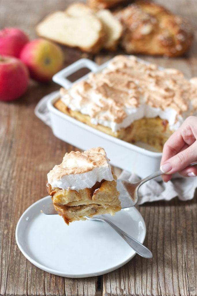 Scheiterhaufen mit Äpfeln und Schneehaube nach einem Rezept von Sweets & Lifestyle®