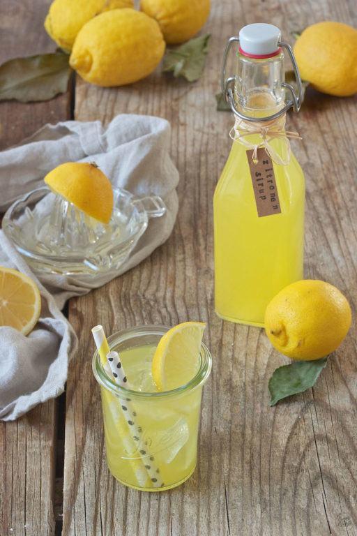 Selbst gemachter erfrischender Zitronensirup von Sweets & Lifestyle®