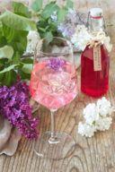 Weißer Spritzer mit Fliederblütensirup verfeinert von Sweets & Lifestyle®