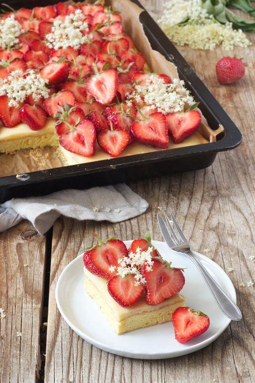 Einfaches und schnelles Erdbeerkuchen Rezept von Sweets & Lifestyle®