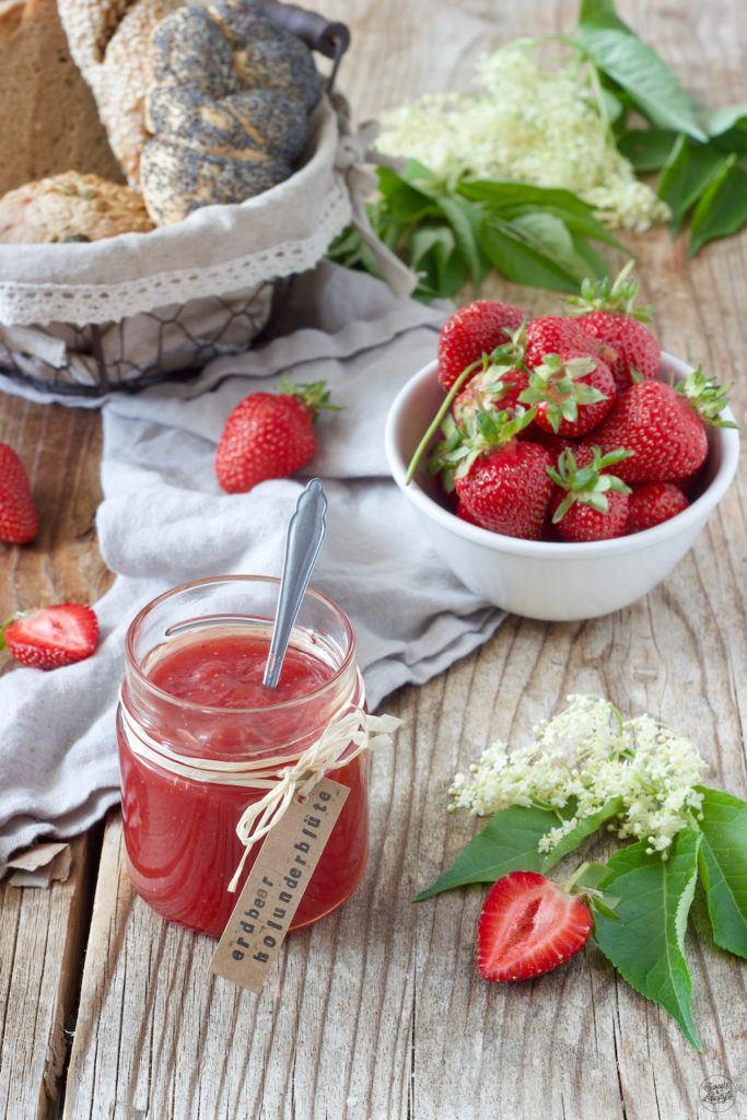 Erdbeer Holunderblüten Marmelade Rezept von Sweets & Lifestyle®