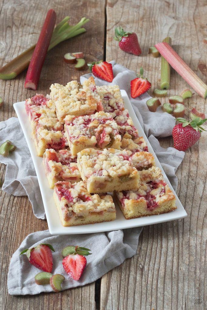 Erdbeer Rhabarber Blechkuchen von Sweets & Lifestyle®